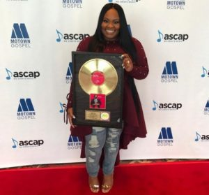 """News: Tasha Cobbs Receives a Gold Plaque For Her Hit Single """"Break Every Chain"""""""