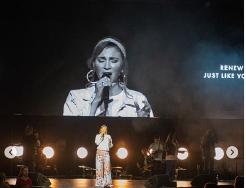 Kim Walker-Smith - Love Came Down