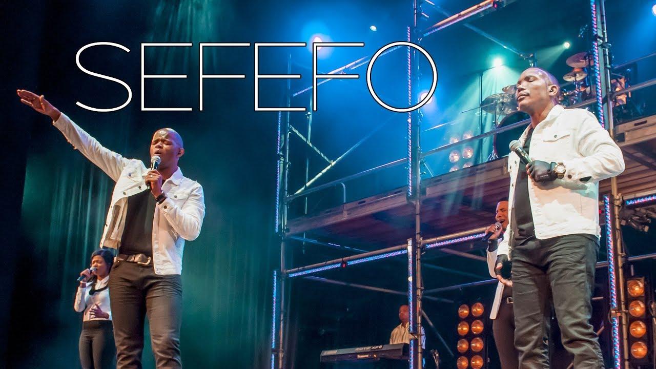 Friends In Praise - Sefefo Ft. Neyi Zimu & Omega Khunou