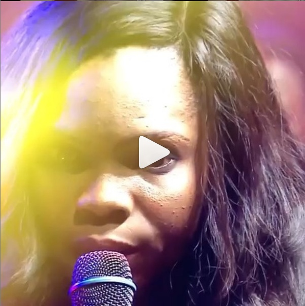 Victoria Orenze - Strong Word and Worship