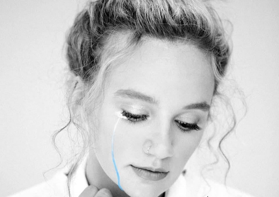 Hollyn - I Think We Should Break Up
