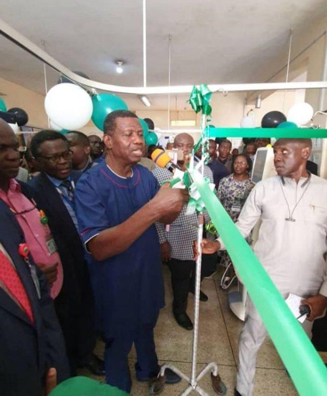 Pastor Adeboye Donates 10M Naira Hemodialysis Machine to UCH Ibadan