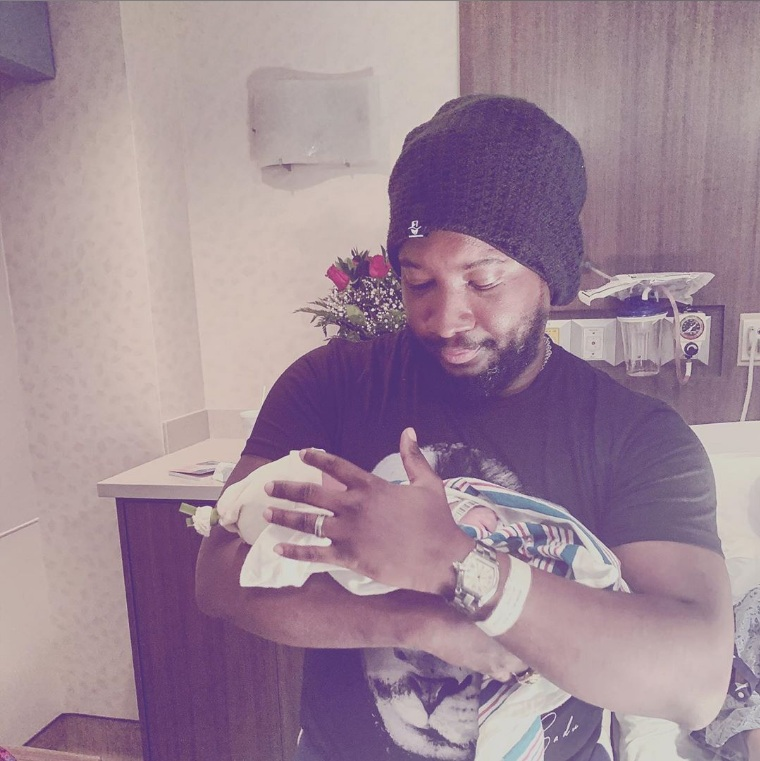 Sonnie Badu and wife welcome new born baby
