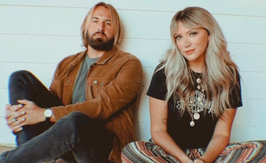 As For Me & My House 'Lyric Video' By Austin & Lindsey Adamec
