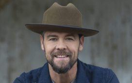 Gospel Singer Jason Crabb