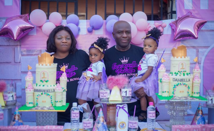 Nigerian couple celebrates their twins (Two Girls) after 17 Years of waiting