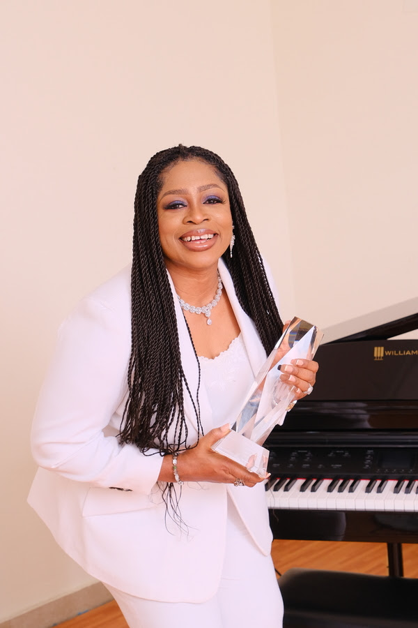 WAYMAKER wins 2021 BMI Christian Award 'Song of the Year' - Sinach